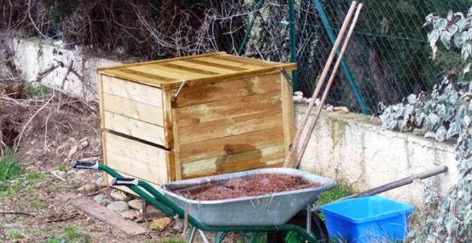 Comment faire son compost on vous dit tout autour du naturel - Faire du compost dans son jardin ...