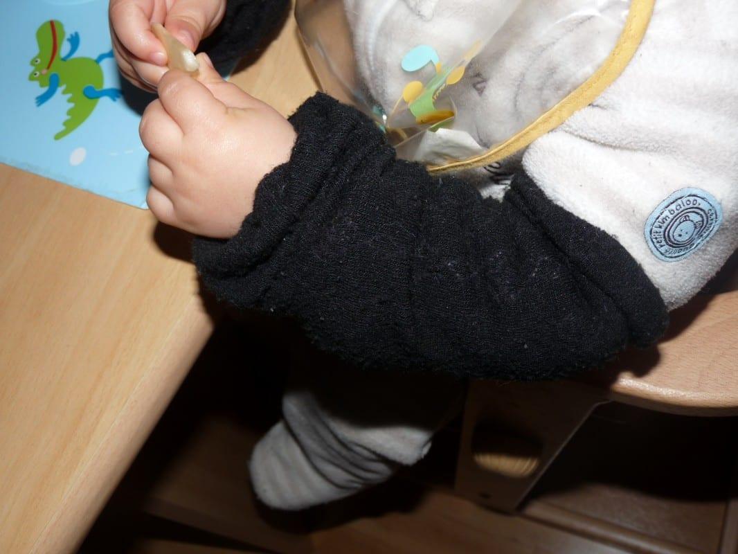 Protéger les manches et les genoux de son enfant ou comment recycler ses collants et chaussettes