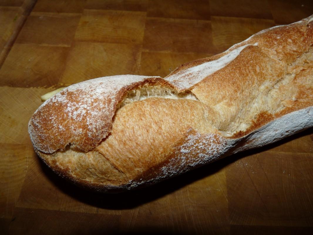 On mange du pain, on mange de la baguette Bleuette