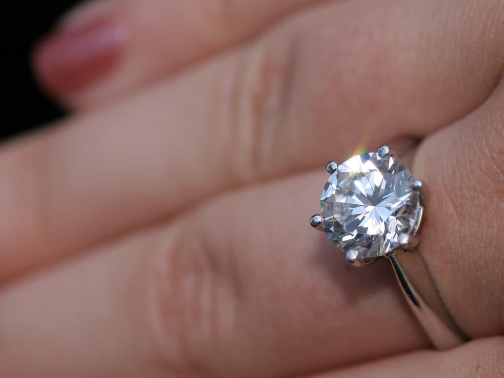 Comment nettoyer ses bijoux naturellement?