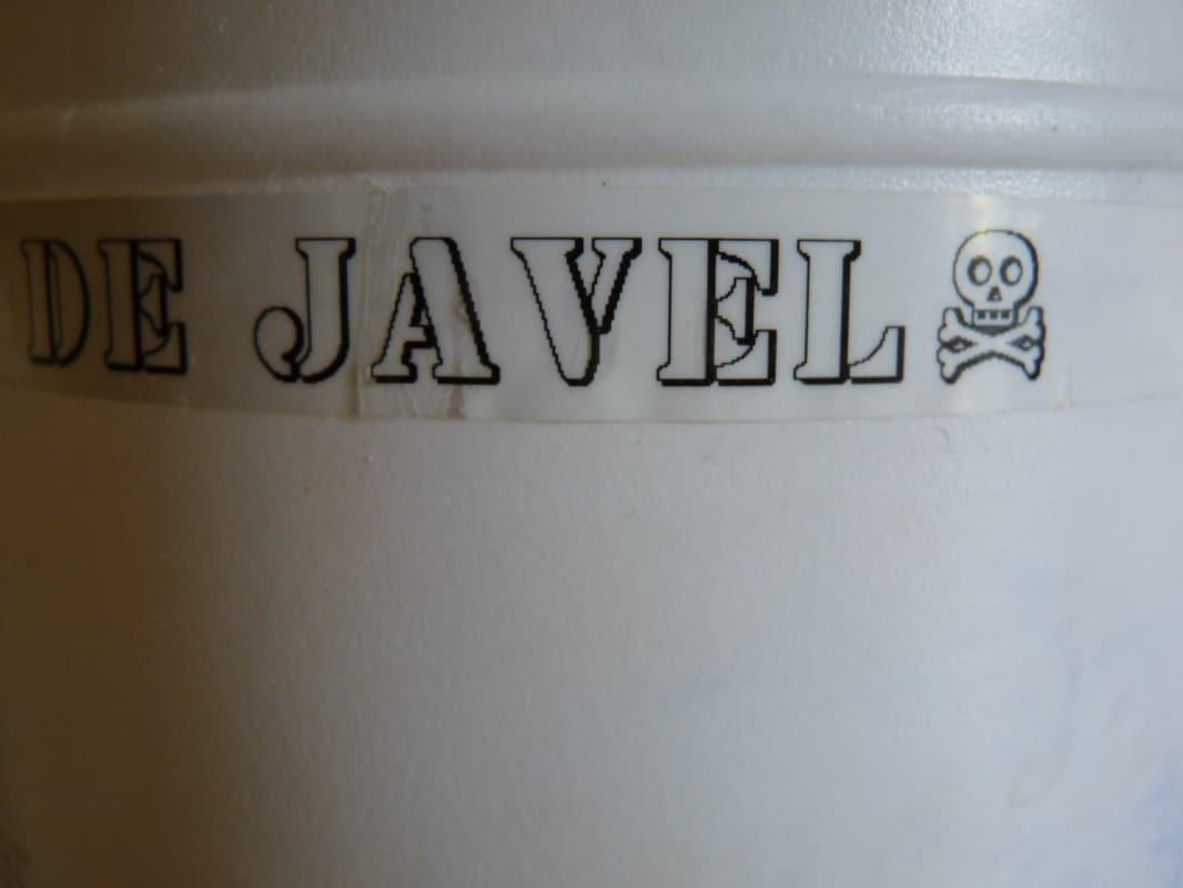 L 39 eau de javel est elle cologique autour du naturel - Eau de javel danger ...