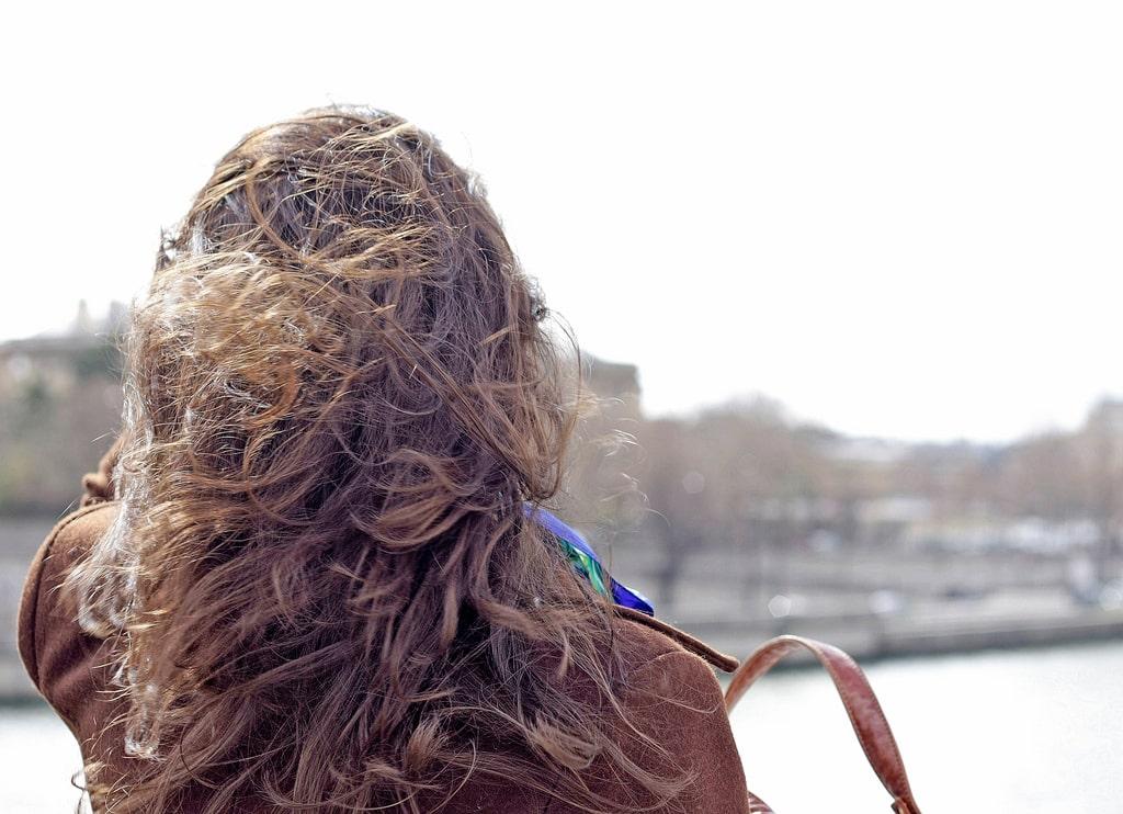 Démêler ses cheveux naturellement et facilement
