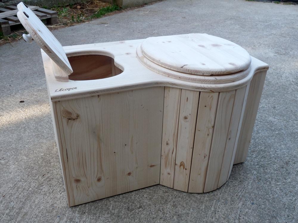On a testé : Les toilettes sèches de l'entreprise Lécopot