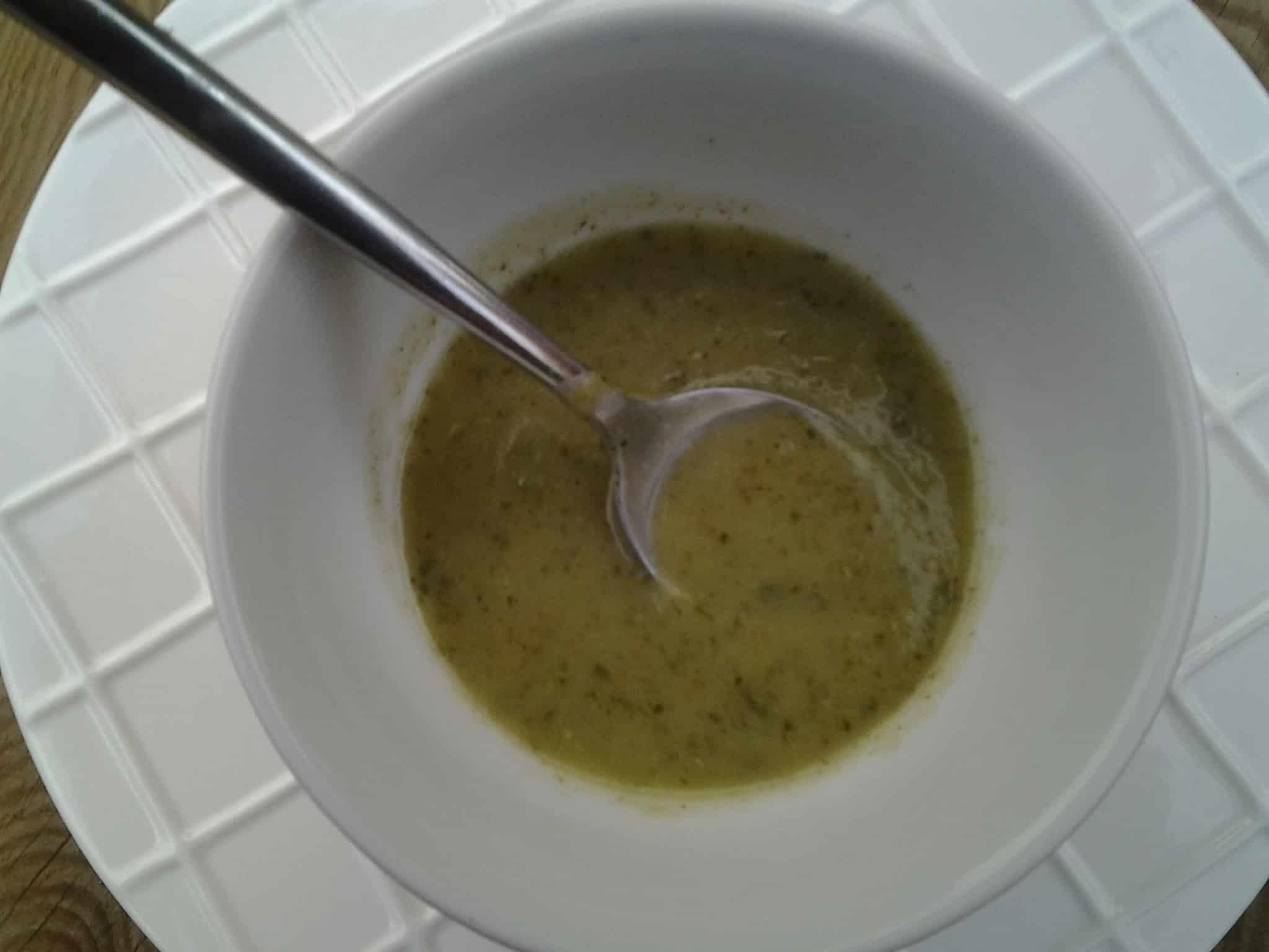 Craquez pour la soupe courgette-pourpier!