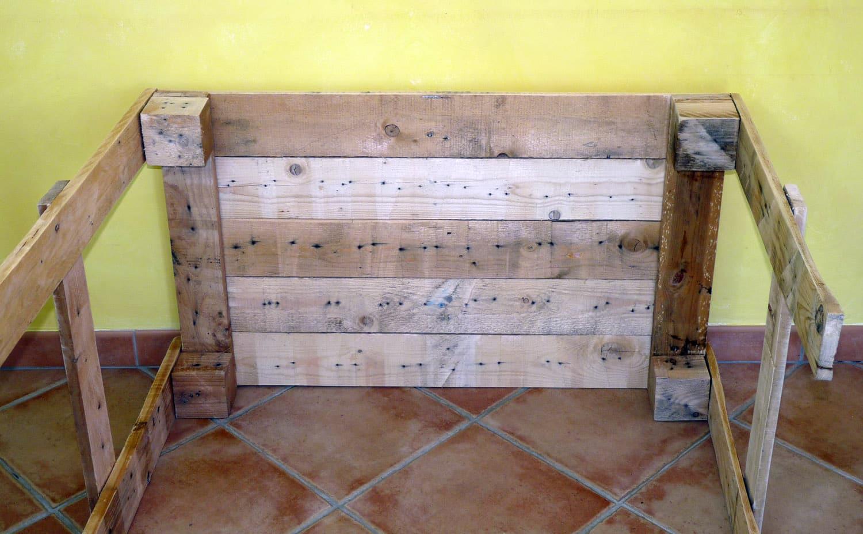 Faire une table en palette ou bureau en palette autour du naturel - Fabriquer son bureau ...