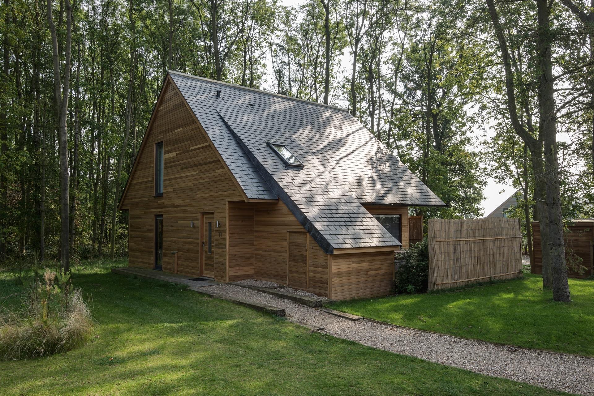 La toiture en ardoise naturelle: une toiture écologique